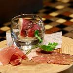 BARLEY WHEAT - 昼飲みセットの生ハム盛り合わせ(牛、鴨、豚)