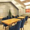 common cafe - 内観写真:コーヒー香るカフェテーブル