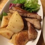 鉄燻CHOI URASAN - 自家製ベーコンと燻製バターのジャーマンポテト
