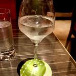 58425861 - 久保田の翠寿をグラス(990円)で頂きました。