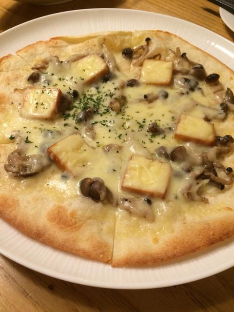 鉄燻CHOI URASAN - スモークチーズのボスカイオラ