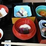 58429856 - このお料理におみそ汁と                       茶碗蒸しが付きます。