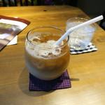 cafe 多聞 - カフェラテアイス