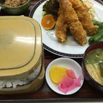 善磯 - エビフライ定食@1000円ご飯大盛り無料。 更に ご飯、味噌汁、おかわり一回までサービス✨