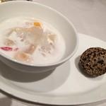 重慶飯店 麻布賓館 -