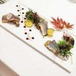 58432058 - 炙り秋刀魚といろいろキノコのマリネ、サツマイモのチップスを添えて