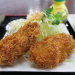 漁師の海鮮丼 - 牡蠣フライ