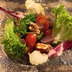 58434086 - 砂肝コンフィとトマトのサラダ