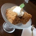 カフェスタジオ 言の波 - 紅茶のシフォンケーキ