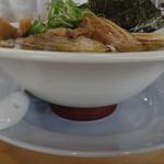 しずる - 秋醤油さんま節らーめん食彩品館.jp撮影