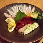 鳥蔵 - 新鮮でめっちゃ美味しい、「大王刺身の盛り合わせ (1250円)」
