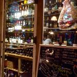 バール ガシーヨ - 2016/9/22  ワインセラーにたくさんあります。