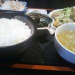 ぶんぶく茶屋 - 野菜炒め定食