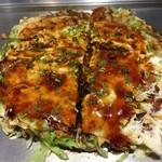 神戸六甲道・ぎゅんた - お好み焼き 鶏かす玉