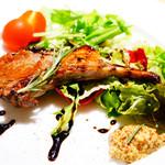 鉄燻CHOI URASAN - 燻製ラムチョップ サラダ添え 850円