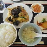 縁ラーメン - 豚肉玉子キクラゲ炒め ¥590-