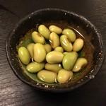 麦酒庵 - お通し「枝豆煮浸し」(2016.Nov)