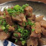 月のうさぎ - こんにゃく・鶏肉・ごぼうの味噌煮。田舎風のがめ煮感覚の味でした。
