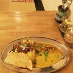 食堂 八 - 3種盛カレー