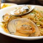 マルゴ ファイブ - 白貝と白菜のボンゴレビアンコ (¥1,000)