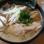 麺屋 彰 - ヘビー(税込800円)※味玉はSNS登録でサービス