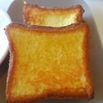 58455557 - ウマウマの厚切りブリオッシュフレンチトーストが2枚。