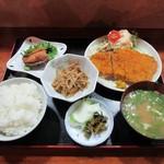 食事処あらきや - 料理写真:かつ定食