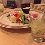 男の肉モツバル suEzou アバアバ - 長芋とオクラのコンソメジュレ&12種類野菜のチーズバーニャカウダー