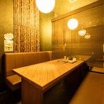 隠れ家  - 広々テーブル席です♪繋げると28名様まで利用可♪