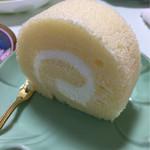 シェ・かつ乃 - ロールケーキ