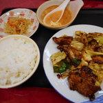 小中華郷土料理 - 盐煎肉(エンセンロー)700円