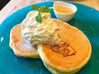 elk 名古屋店 - ハチミツとホイップバター2枚  ¥800