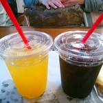 アトリエリーブ - オレンジジュースとアイスコーヒー