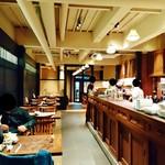 58465886 - いかにも京都らしい『和』にこだわった雰囲気の店内~♪(^o^)丿