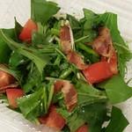手作りピッツァ・お惣菜ルーティーン - ほうれん草と水菜ベーコンのサラダ 200円