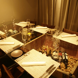 完全個室は接待などビジネスやお子様連れの家族会食もご利用OK