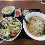 金鳳 - 料理写真:Dセット 塩ラーメンと中華丼