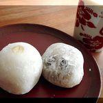 清須 和菓子工房 うめざわ - 渋皮栗入り大福、豆大福