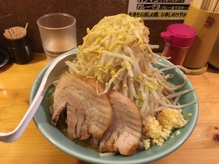 ラーメン慶次郎 本店 - 慶次郎らーめん(野菜、ニンニク、カレーマヨ)