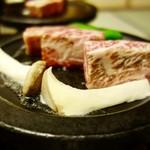 瀬波グランドホテル はぎのや - 料理写真:[2016/11・夕食]逸品・A4ランク村上牛ステーキ