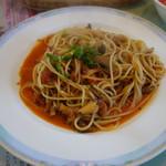 デセールカワウチ - 海老と茸のトマトソーススパゲッティー(牛肉風味です)