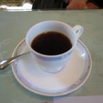 デセールカワウチ - ランチドリンクはホットコーヒーを選択。アメリカンな感じですが味わいはナイス。