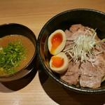 らーめん 伊藝 - 濃厚つけ麺(味玉、チャーシュー)