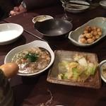 58489873 - 白菜漬け、塩煮込み、銀杏上げ、などのつまみ