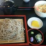 さくら - 料理写真:盛り蕎麦とミニ天丼です。 蕎麦湯が一緒にでてきました(^-^; 大根おろしが紫です。
