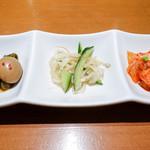 韓国料理 水刺齋 - 惣菜3種