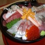 鯛喜 - とっても豪華な海鮮丼