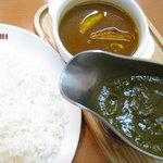新川デリー - ツインカレー(サグチキン インド)