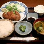 一福屋 - 料理写真:日替わりランチのメンチカツ定食