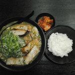 ラー麺マン - みそチャーシュー入り定食